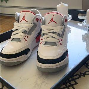 Air Jordan 3 Retro size 5Y
